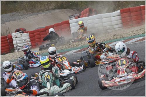 Yannick Diaz Murillo crashes at openingslap